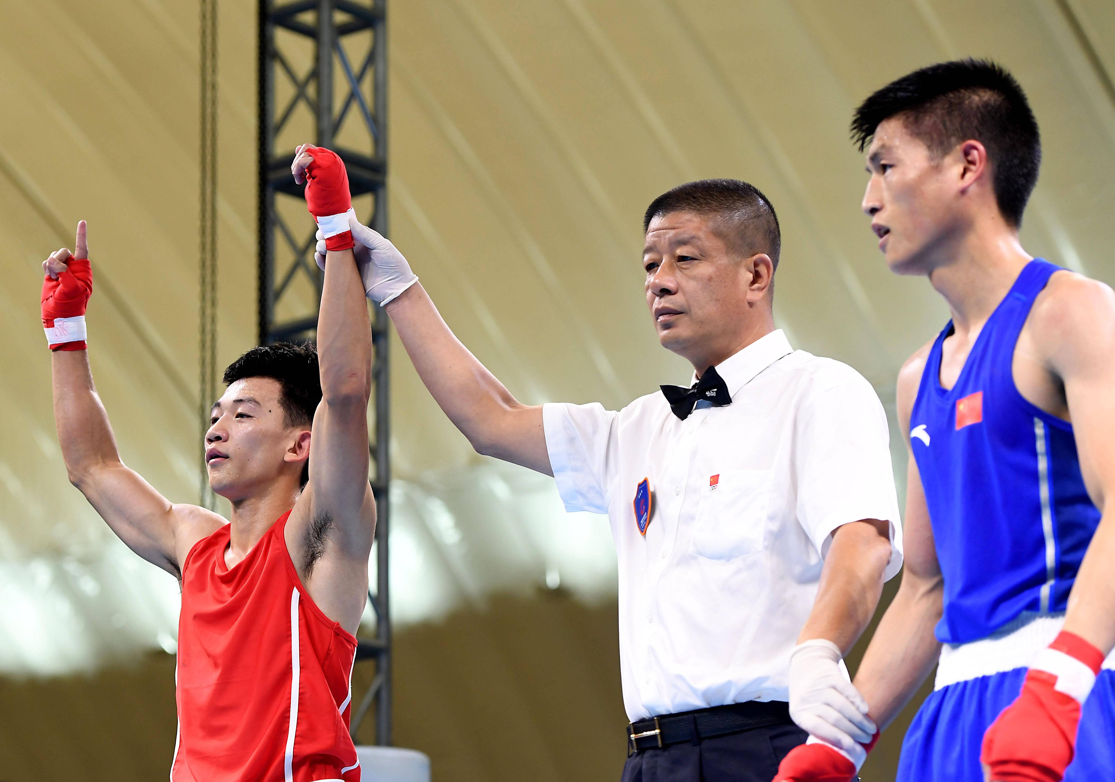拳击——全国男子锦标赛:林鸿飞晋级49公斤级决赛
