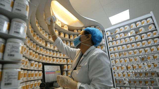 中药配方颗粒乱象: 孕育实力寻租,反复研产生产