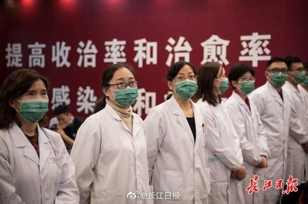 姚明携国家队球员访火神山医院,向抗疫英雄致敬