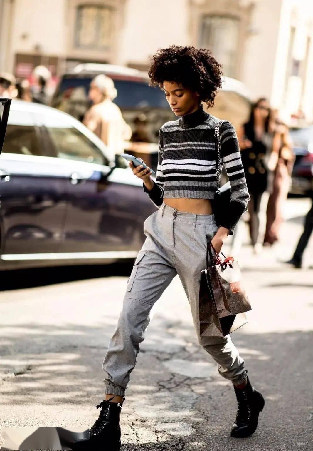 马丁靴+裙子,马丁靴+工装裤……又酷又撩,时髦炸了!     第33张