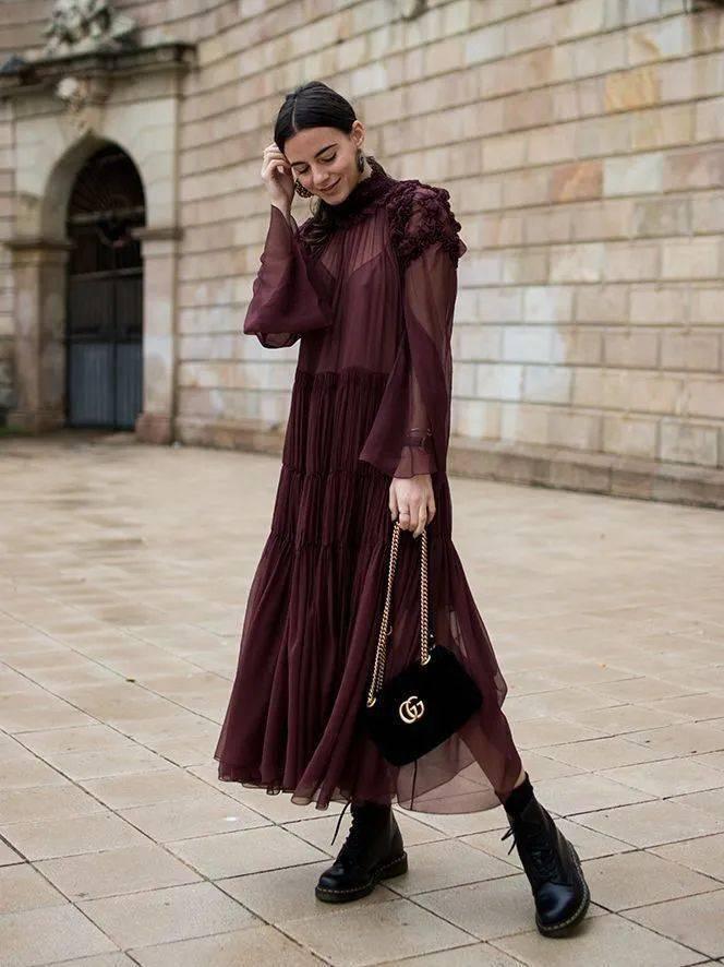 马丁靴+裙子,马丁靴+工装裤……又酷又撩,时髦炸了!     第19张