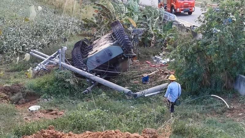 台军美制坦克撞电线杆致1死1伤,蔡英文:计划采购新型战车