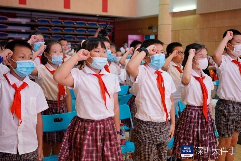 逆行者分享抗疫故事数次哽咽,深圳南山少先队员立志学做先锋