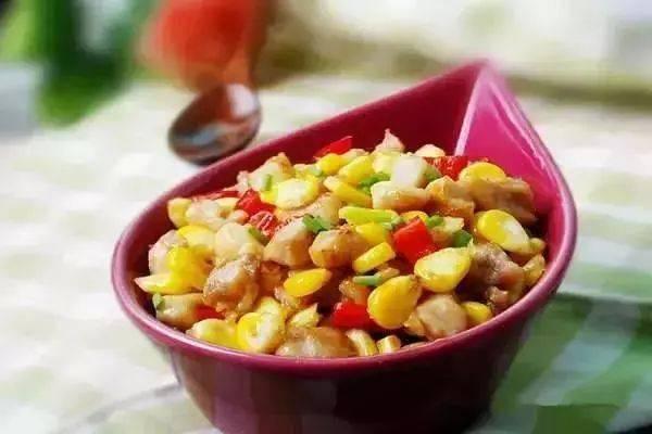 玉米炒鸡丁,简单又美味!