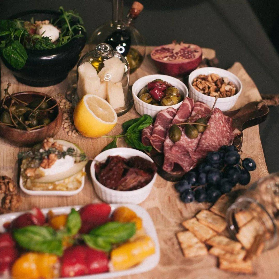 晚餐决定你的体形,吃好晚餐,向健康看齐!