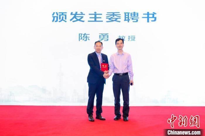 上海多学科专家组成综合治疗团队 破解黑色素瘤诊治难题