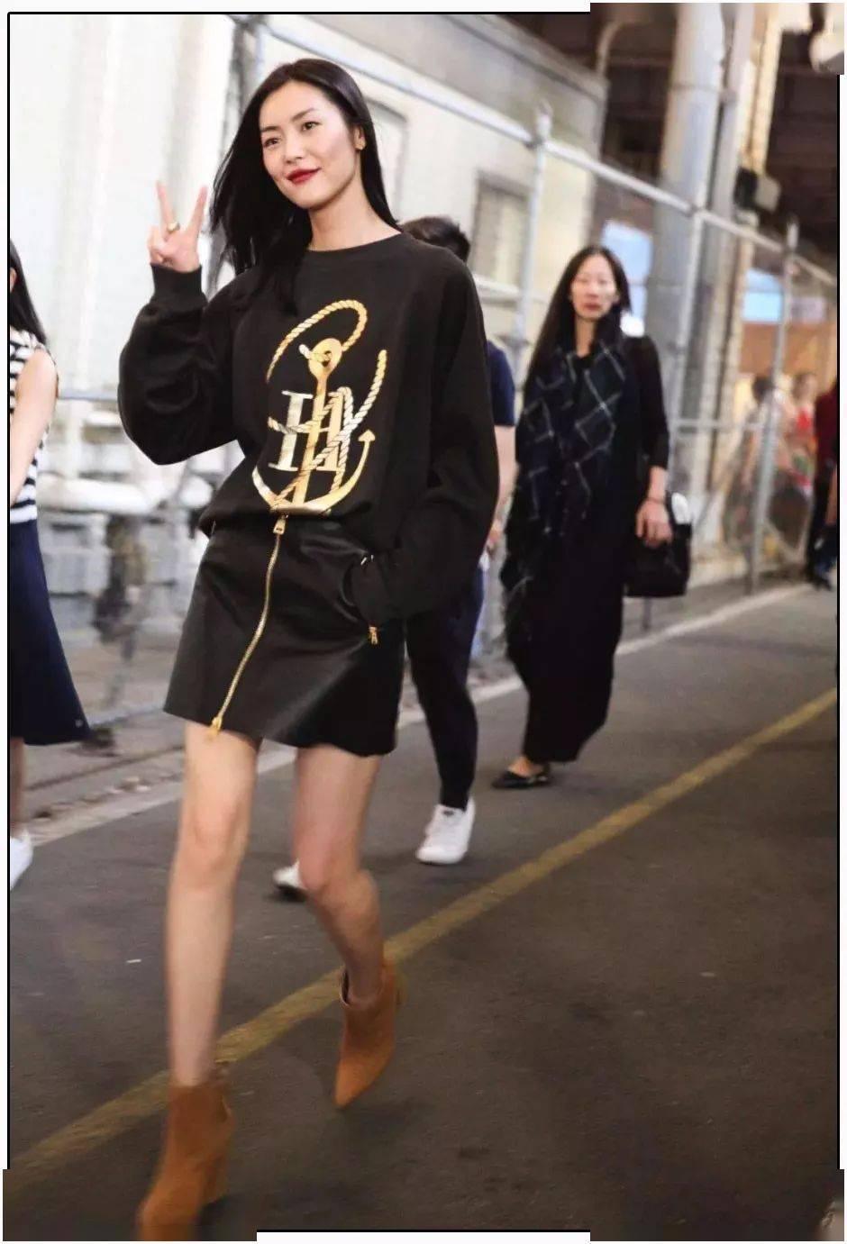 你穿卫衣+短靴的样子,时髦炸了!!!