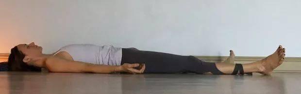 肩颈背部疼痛,这套阴瑜伽序列要经常练!