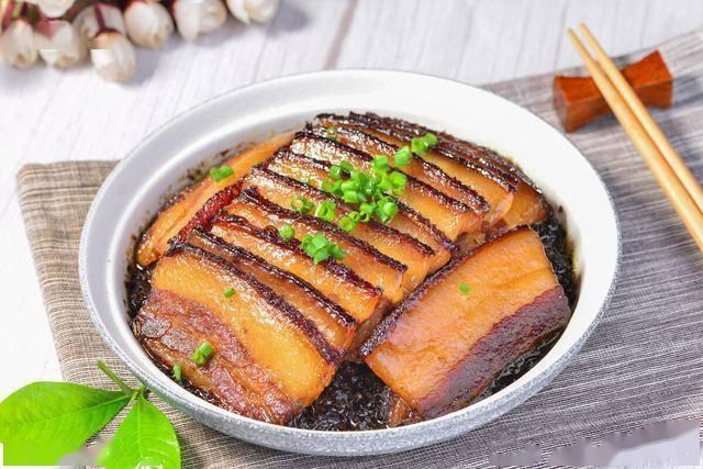 梅菜扣肉好吃有技巧 教你隧道做法 肥而不腻 入口即化-九州国际app下载