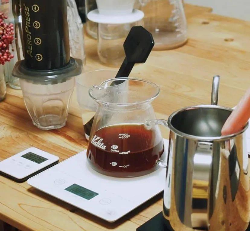 在相同的提取率和浓度下,水温对咖啡味道的影响微乎其微。 试用和测评 第2张
