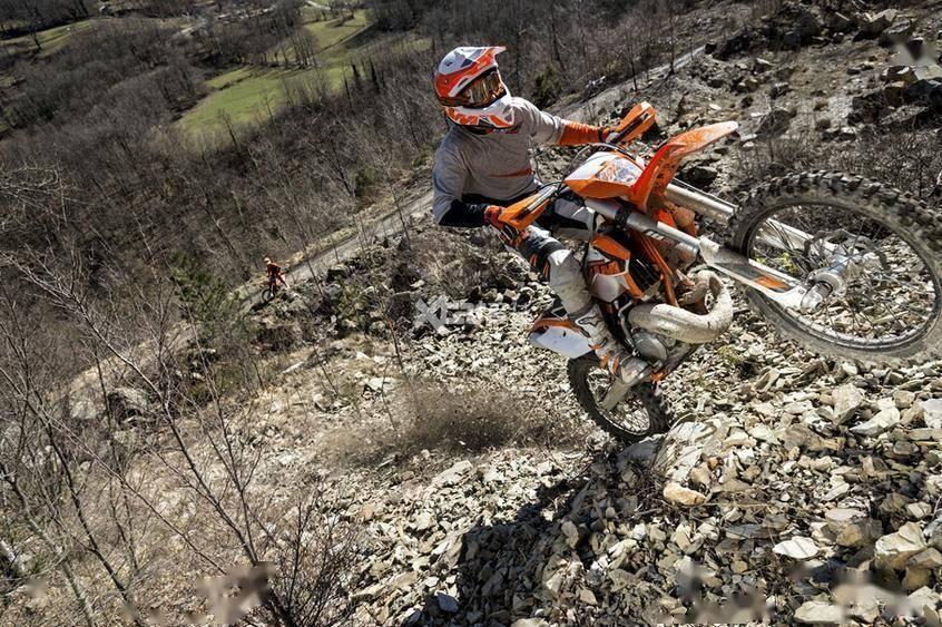 KTM X-Bow GTX发布了更多纯赛车玩具的细节
