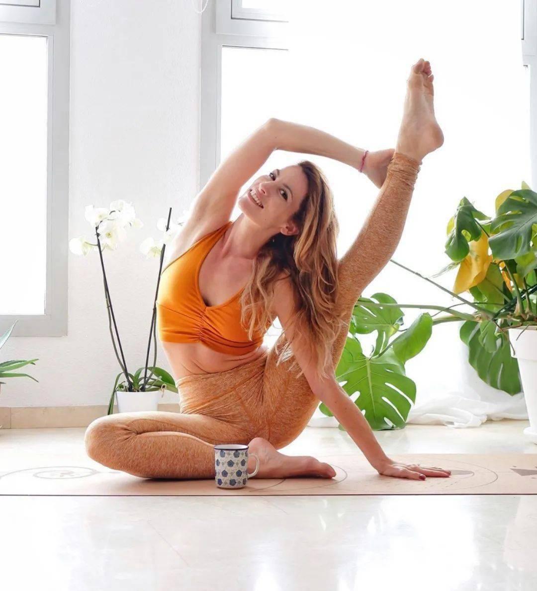 15分钟懒人无痛开髋序列,瑜伽开髋原来可以这样练!