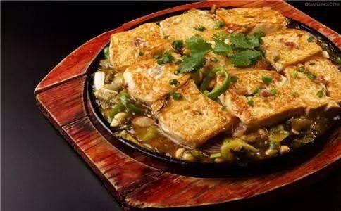 爱赢体育官方- 盘货三种鲜味东江酿豆腐的做法(图1)