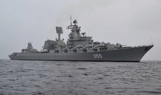 美海军宙斯盾舰现身俄附近海域俄军出动光荣级巡洋舰监视