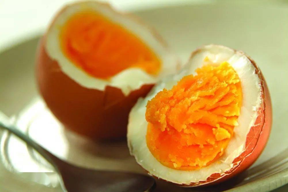 【科普知识】秋日眼睛干涩疲劳?多吃这几种食物!