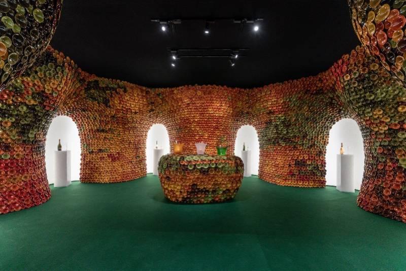 香槟杯艺术之作及艺术装置亮相上海西岸艺博会