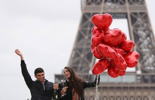 欧洲抗疫故事|请收下一万束鲜花