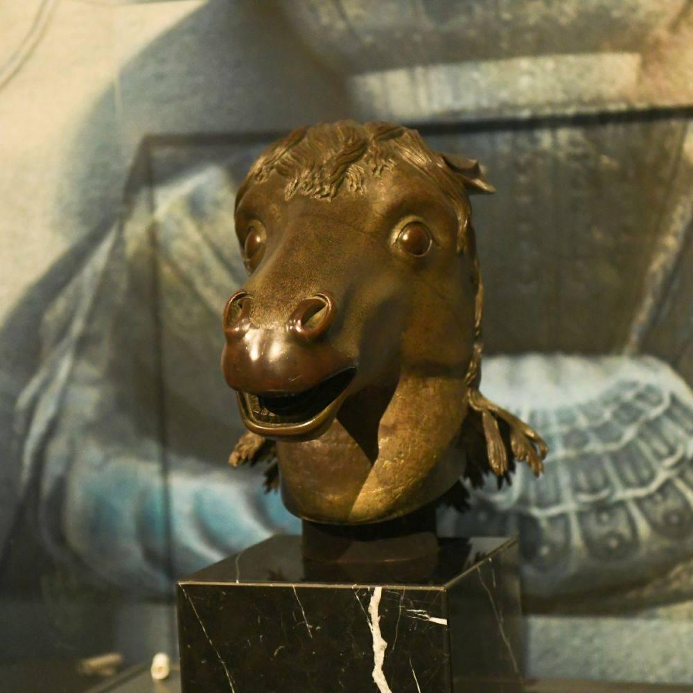 曾流失海外百余年 马首铜像年内将回到圆明园