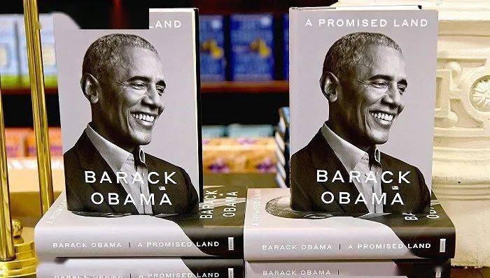 奥巴马白宫回忆录首日大卖89万本,曾因压力过大偷偷抽烟