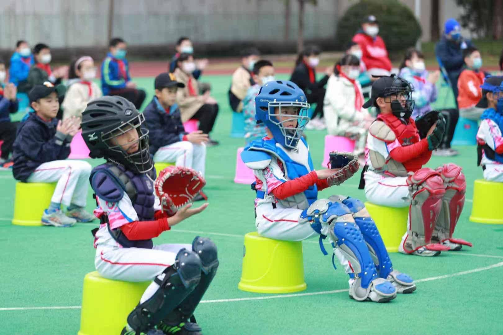 """播撒棒球运动""""种子"""",MLB携手中国棒球协会推动公益课进校园"""