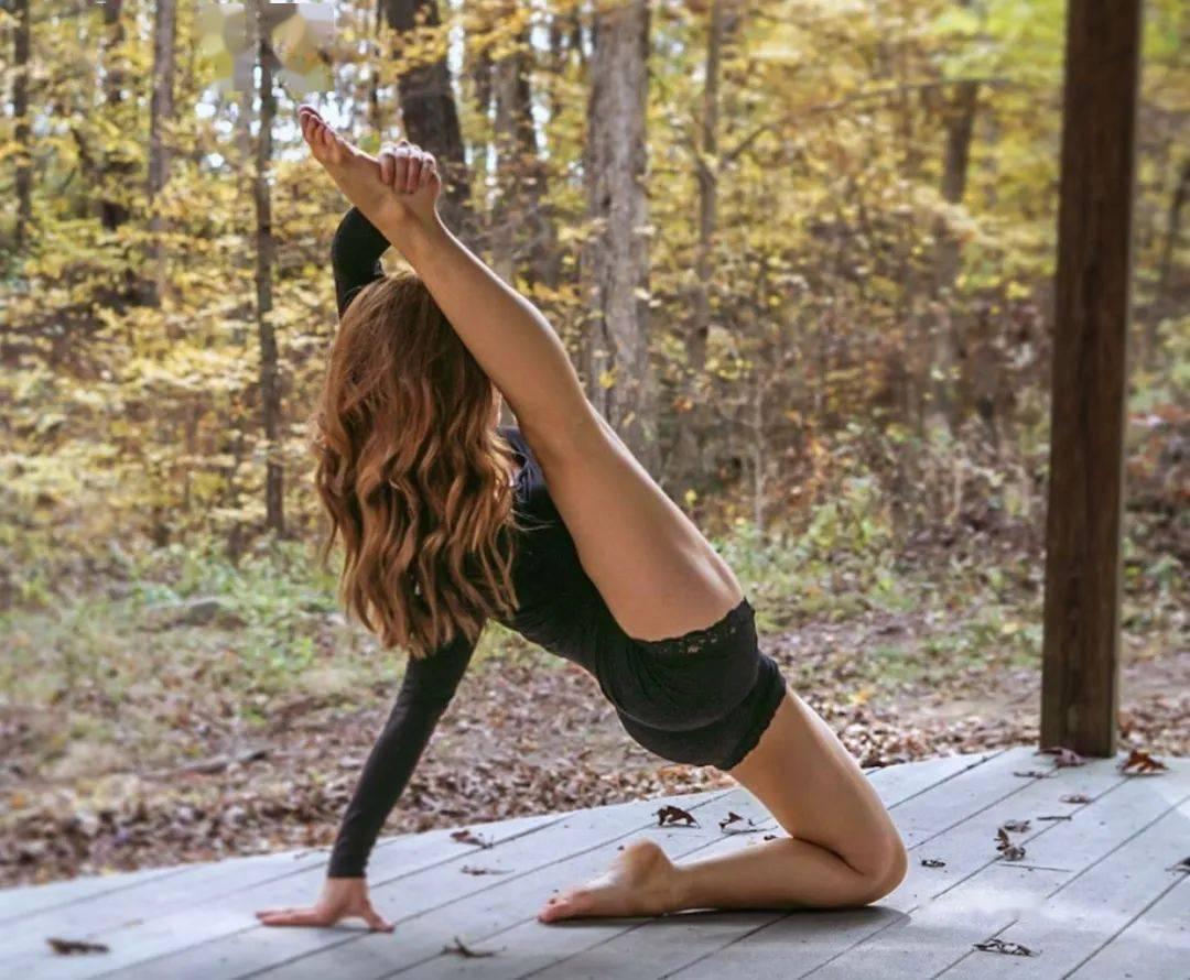 瑜伽老师喜欢的一组流瑜伽体式串联,塑形效果太好