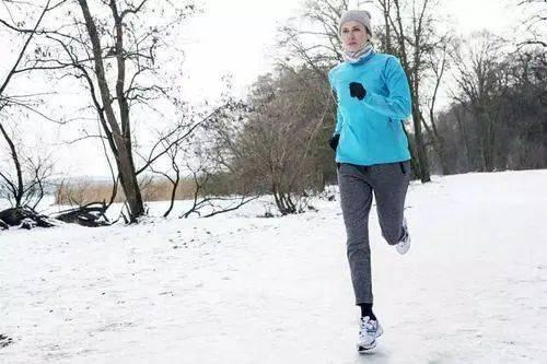 冬天跑步不要追求配速,会跑步的人看重的是这些!