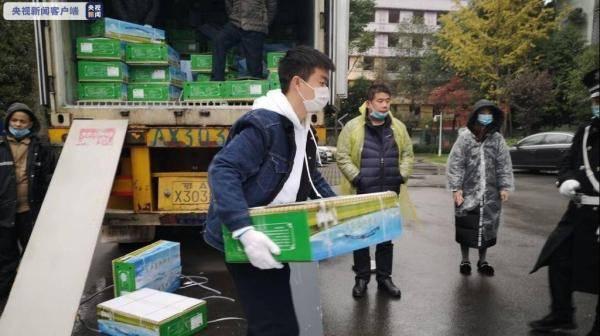 蒙古国捐赠羊进川了!528箱将发给援湖北医疗队员