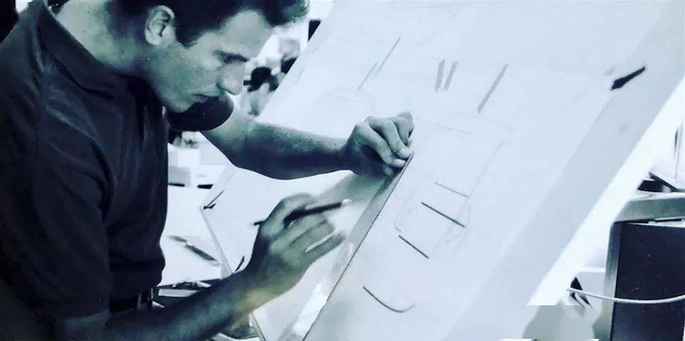 一颗最美丽的流星|大卫·阿坎格里的传记,一位年轻时就去世的天才设计师