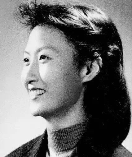 """永远的""""甜姐儿""""、表演艺术家、作家黄宗英去世,享年95岁"""