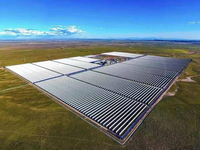 江阴:全国最大太阳能电板,在这里