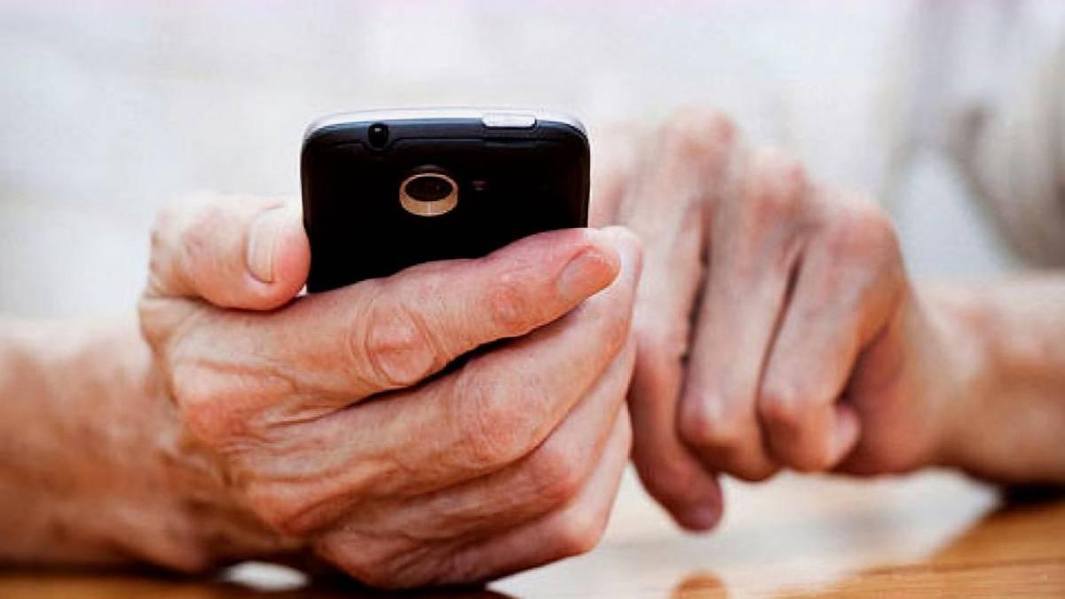 2021 年将迎来 App 适老化改造,老人可以轻松自学微信了