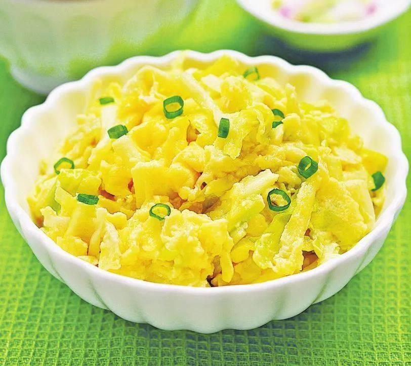 除了番茄炒蛋,这5种鸡蛋做法,一样简单下饭,晚餐回家做既快又好吃