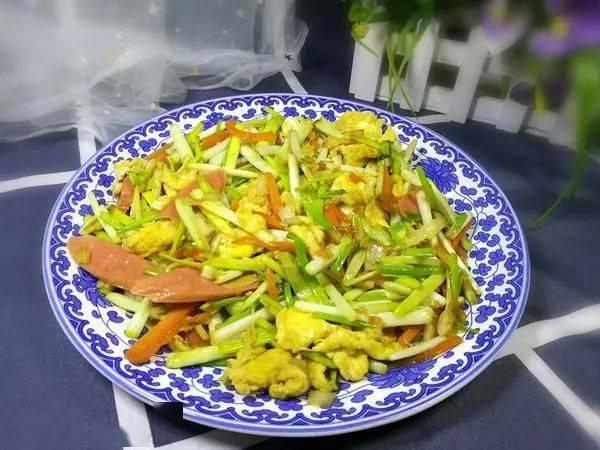 """""""天然杀菌菜""""被发现,一斤2元,我家一周吃3次,家人很少感冒_蒜黄"""