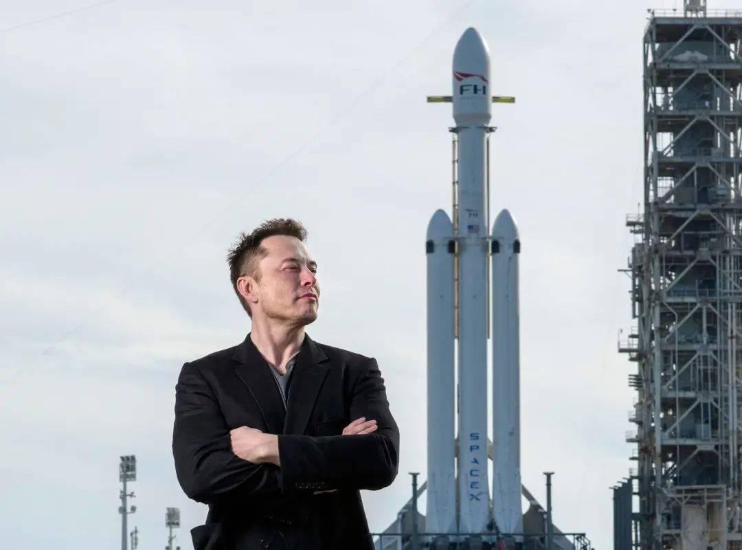特斯拉狂降16万,飞船炸了一次又一次,这个单挑太空的男人到底多牛?  第1张
