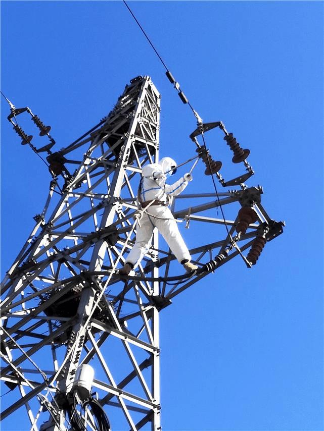 疫情寒潮双双来袭:国网河北电力全力保电应大考