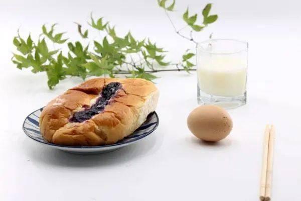 早餐吃鸡蛋好处多,但吃鸡蛋的3个误区,好多人在犯,要避免