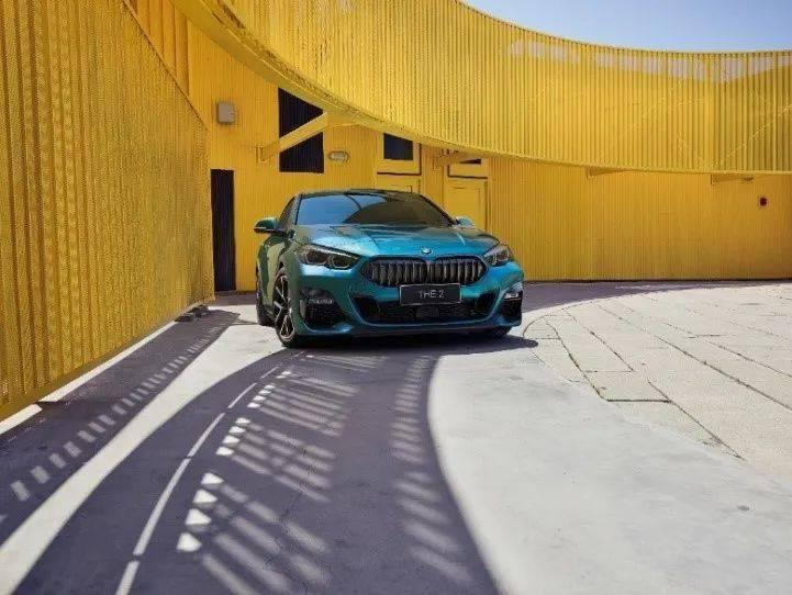 打造新一代豪华紧凑型四门轿跑,创新宝马2系四门轿跑,荣耀上市
