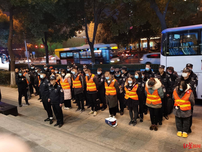 涉案资金达4亿!内江警方破获特大网络贷款诈骗案,跨省抓获嫌疑人140人