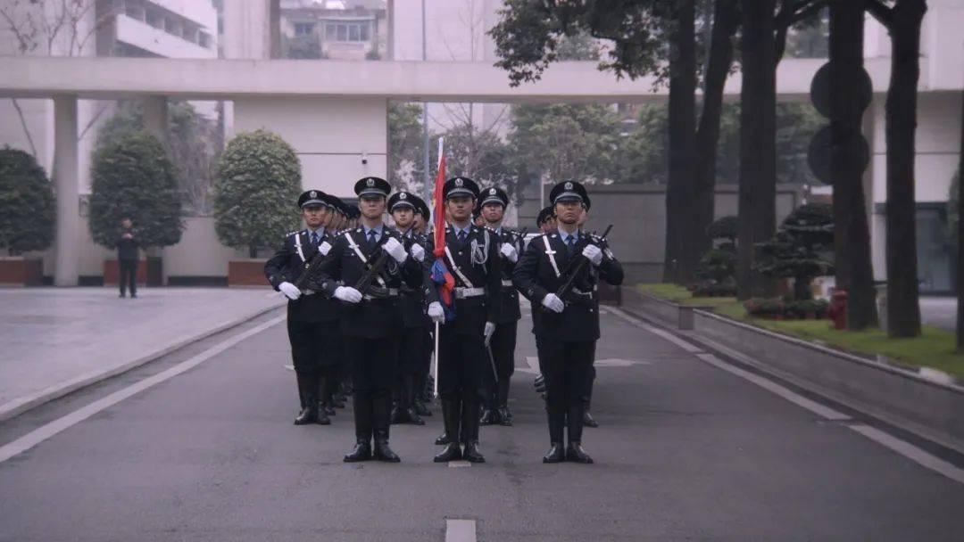 【警察节】今天,这群最帅的人冲上热搜!