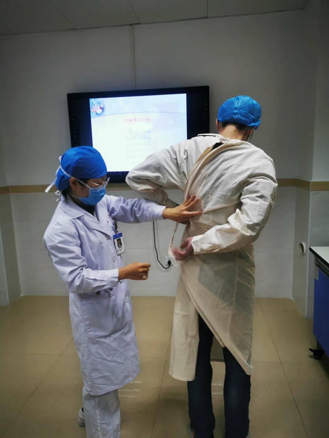 """我院《实习医师临床技能培训课程》开班 培育医学""""新苗"""""""