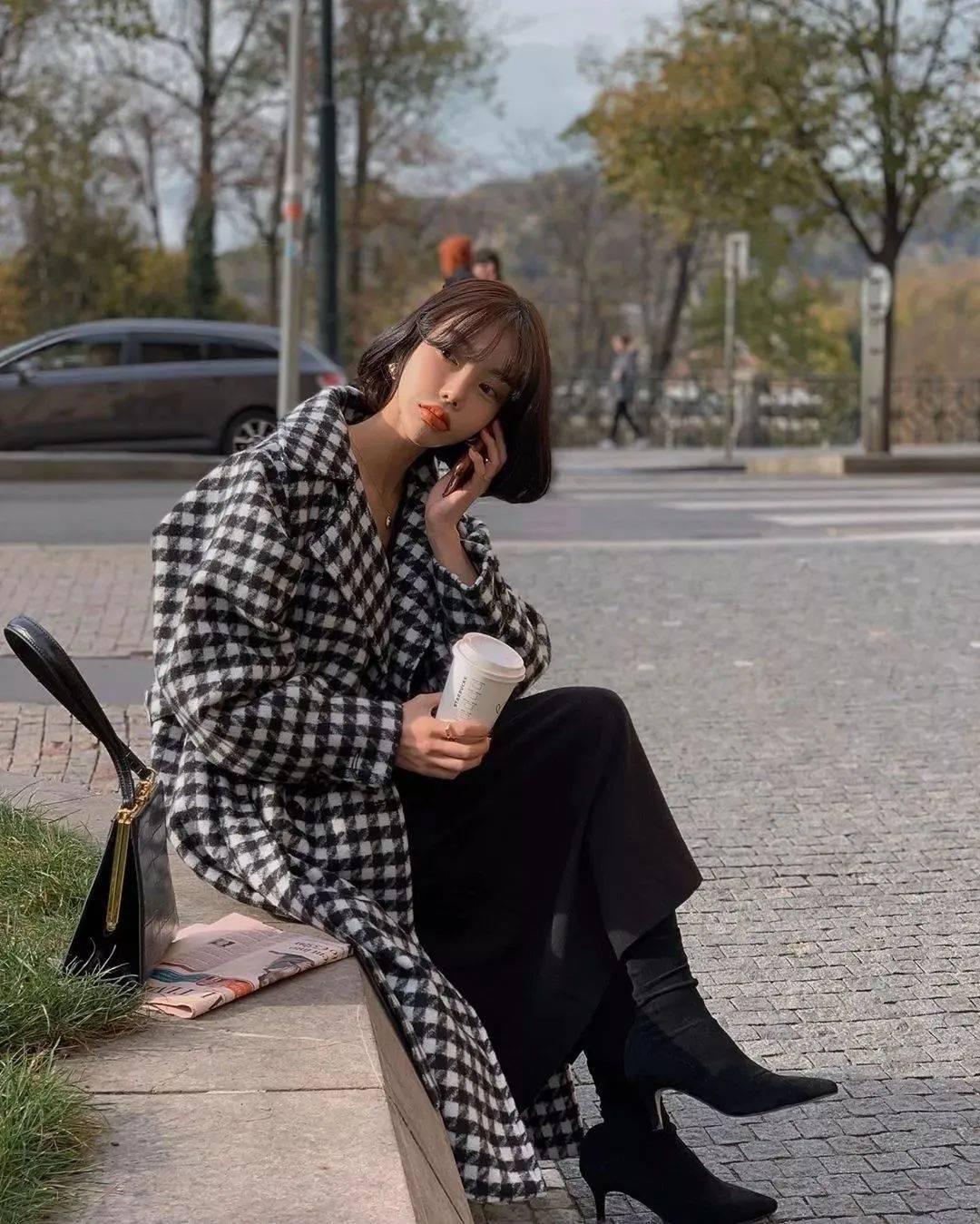 毛衣 + 半裙,大衣 + 牛仔裤+靴子,秋冬穿搭有这几件就够了!!