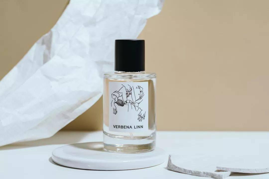 秒杀路人,保住气质,入坑的第一瓶香水,选它没错!撞香率0.01%