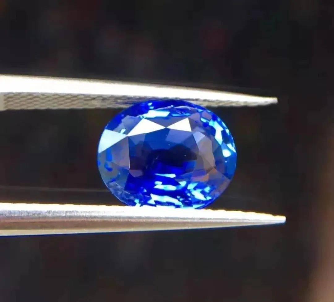 斯里兰卡蓝宝石VS马达加斯加蓝宝石哪个更胜一筹? 网络快讯 第3张
