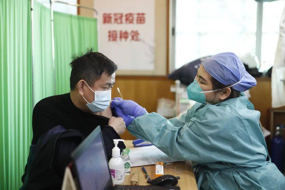 打HPV疫苗后能接种新冠疫苗吗?过敏患者能打吗?专家解答