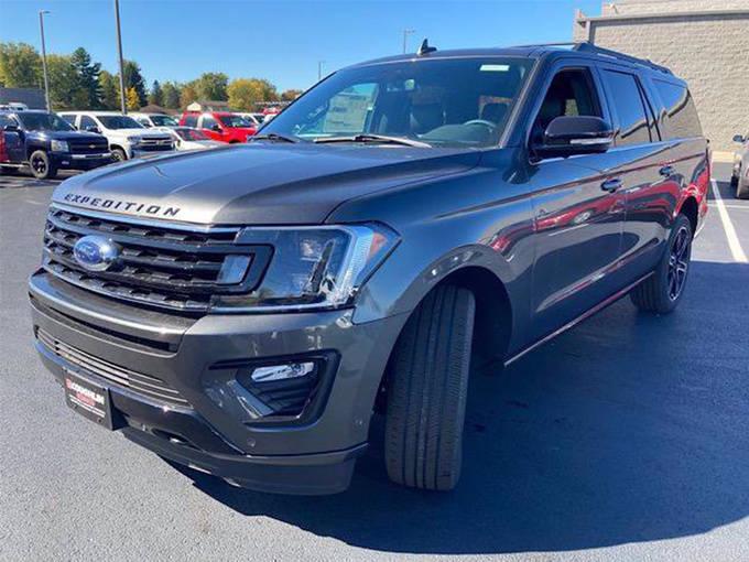 福特新款全尺寸SUV实拍曝光!比探险者拿3.5T/更大