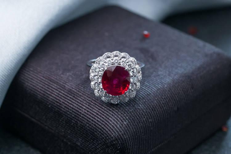 就要玉珠宝:红宝石和红碧玺有什么区别?看完你就不再混淆了