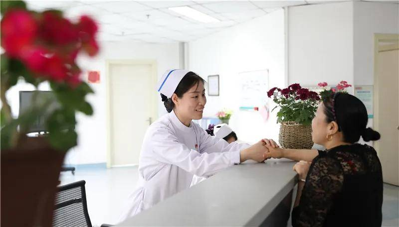精益求精抓质量 创新思维做管理——护士长工作会