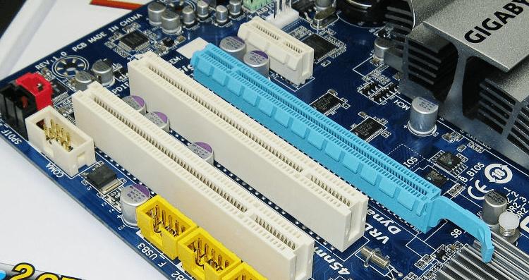 电脑蓝屏修复按哪个键(电脑一开机显示纯蓝色)