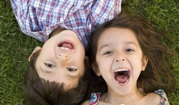 孩子一岁后 宝妈如此培养孩子的自理能力 孩子长大后更优秀