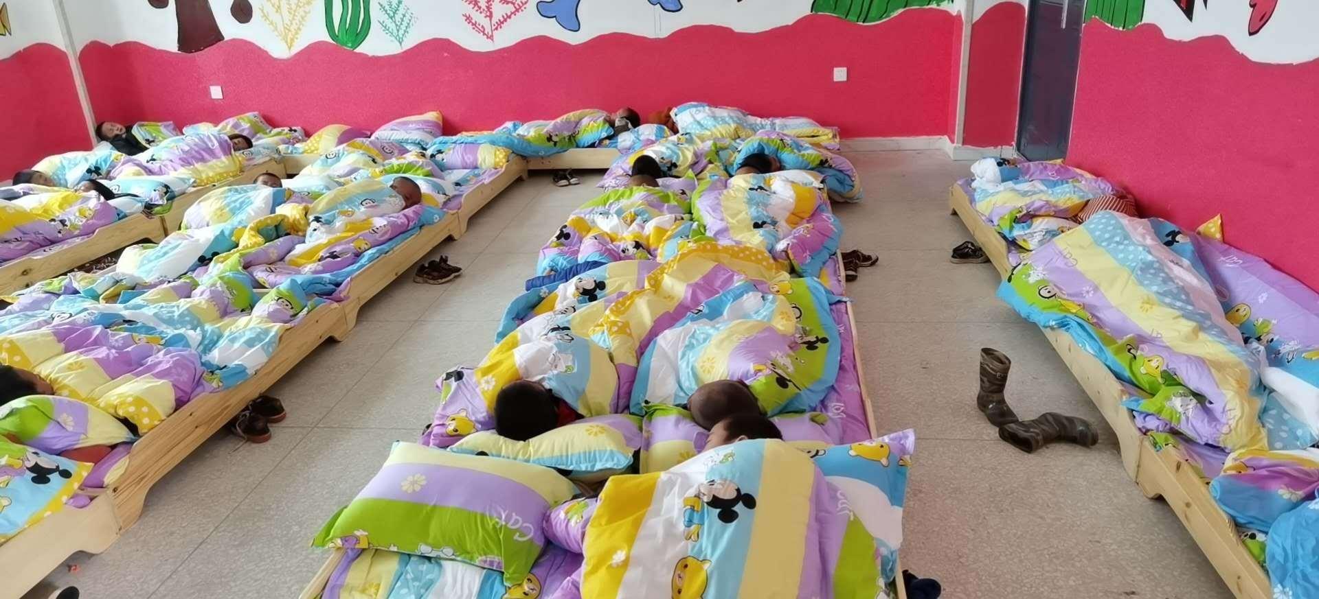 龙马幼儿园:楼新被厚不觉寒
